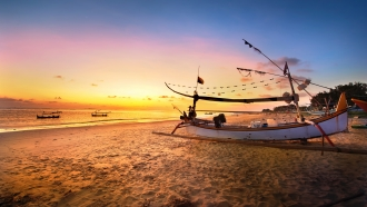 Indonesian Island Hideways: Beachside Honeymoon