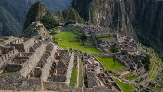 Peru Discovery: Trekking, Exploration & Wildlife