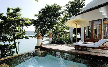 Mom Tris Villa Royale